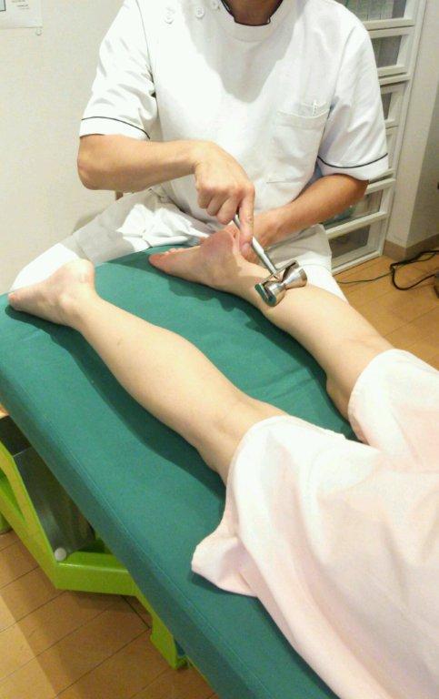 下肢のローラー施術